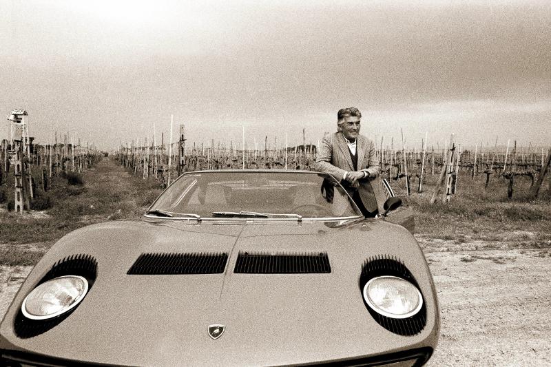 The Argument Between Lamborghini And Ferrari Motor Web Musemum